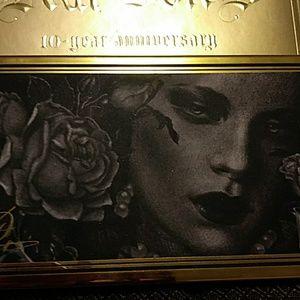 💙Kat Von D 10th Anniversary Palette
